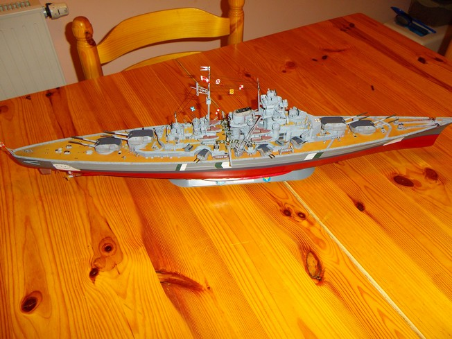 "Battleship ""BISMARCK"" 1/350 Revell - Page 2 12-3cd2d49"